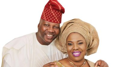 Asiwaju Olayinka Fasuyi and wife (Photo credit-The Guardian)