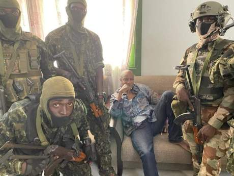 President Conde arrested by coupists