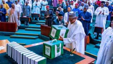 Buhari laying the 2022 Budget before the joint session of the National Assembly, Thursday