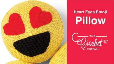 Crochet Heart Eyes Emoji Pillow + Tutorial