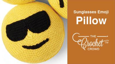 Crochet Sunglasses Emoji Pillow + Tutorial