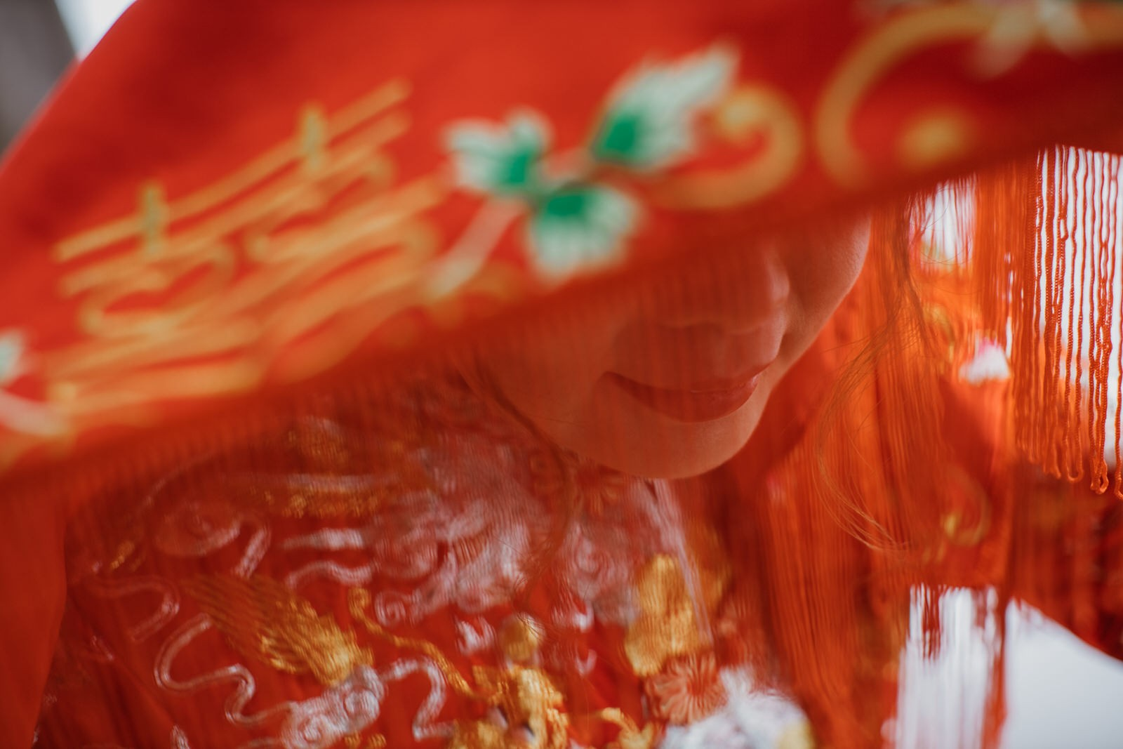 Bride in red Kwa Chinese Traditional Wedding in Kuala Lumpur The Cross Effects Photography