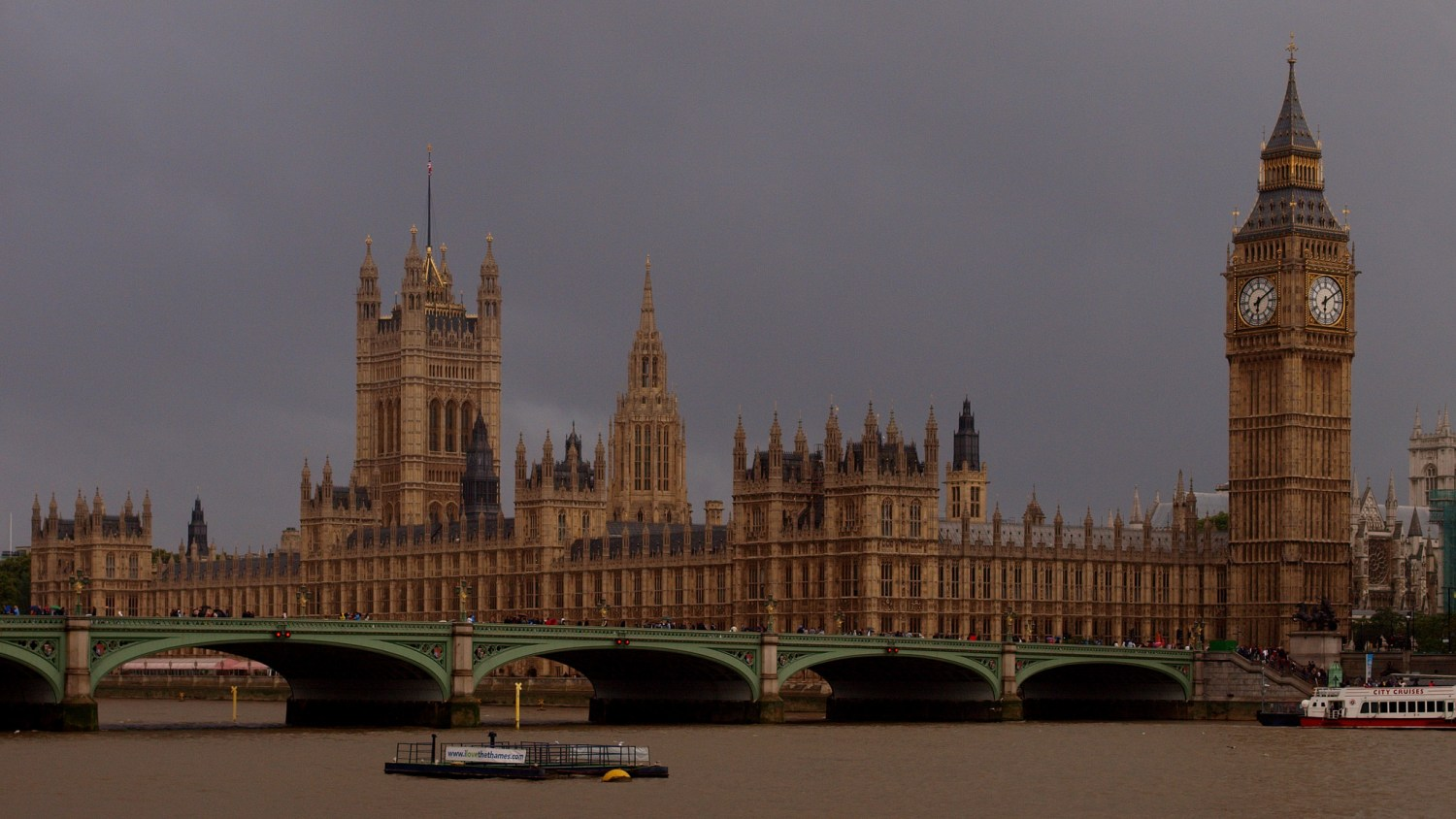 There was an attack at the Houses of Parliament and on Westminster Bridge (Wilson Hui)