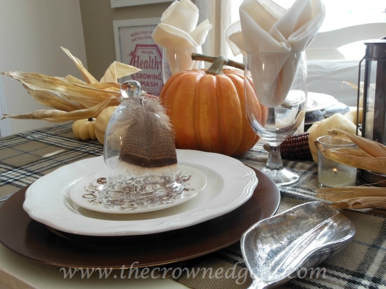 110514-3-Feather-Placecard-Holder Thanksgiving Table Inspiration Decorating Holidays