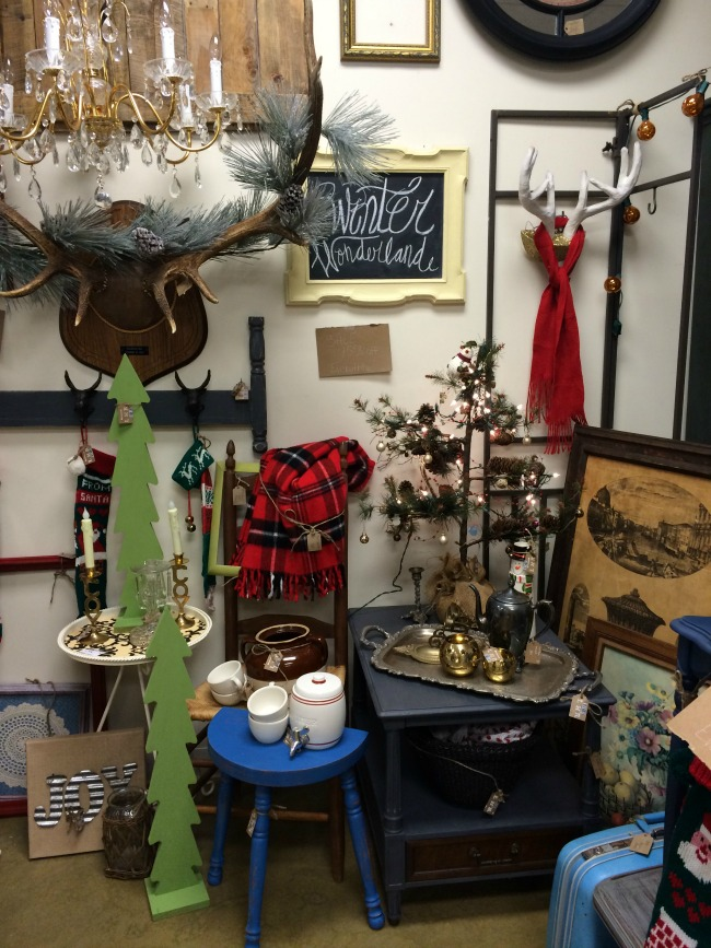 112614-11LittleHomeReloved Shop Small Saturday Vendor Spaces