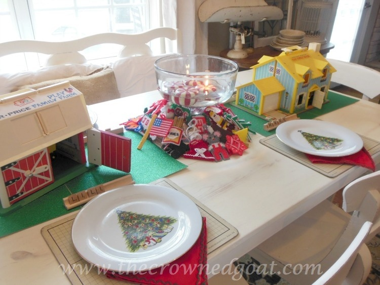 121714-1-Kids-Christmas-Table-Inspiration Last Minute Holiday Kids Tablescape Decorating Holidays