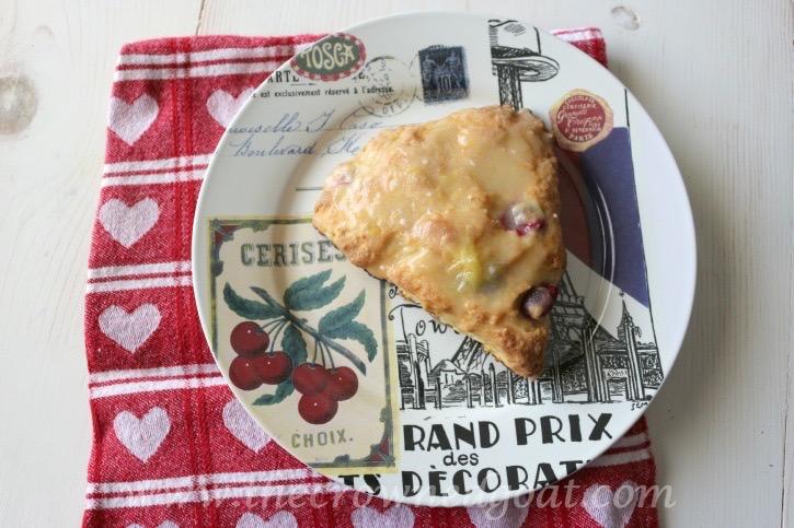021215-21 Cranberry and Orange Scones with Orange Glaze Baking