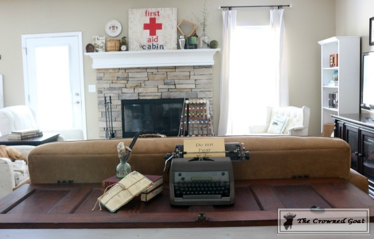 072315-15-Easy-Living-Room-Updates-The-Crowned-Goat-1-1 House Tour Uncategorized