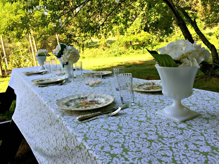 Be-Fed-Again-An-Outdoor-Table-Setting Something to Talk About Link Party 32 LinkParty