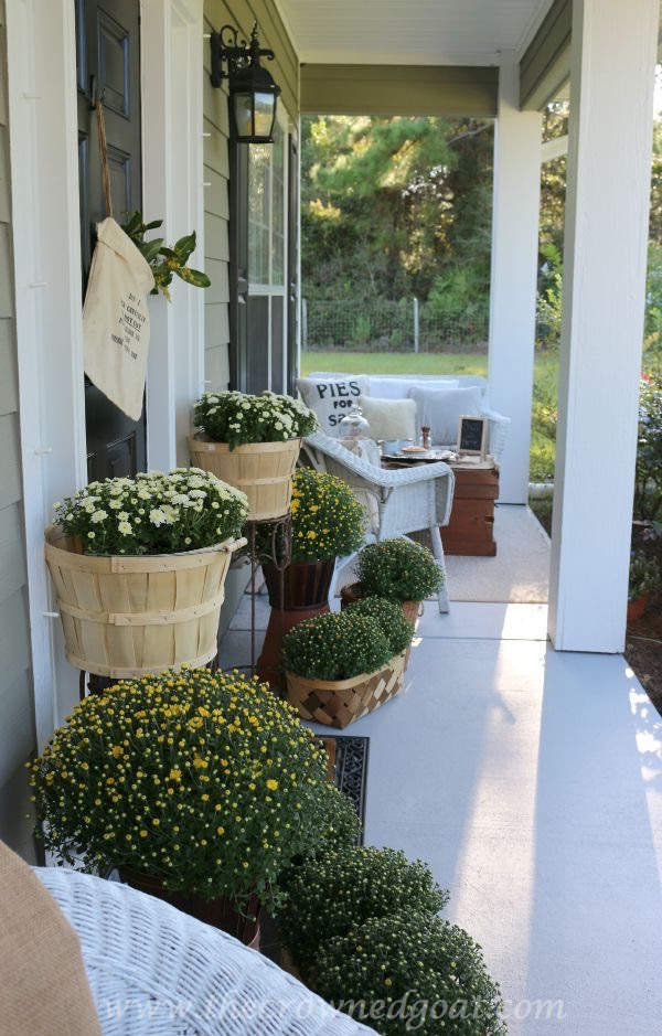 2015-Fall-Porch-Tour-092415-15 Fall Inspired Front Porch Tour Decorating Fall Holidays