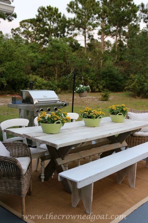 Farmhouse Style Table-092215-1