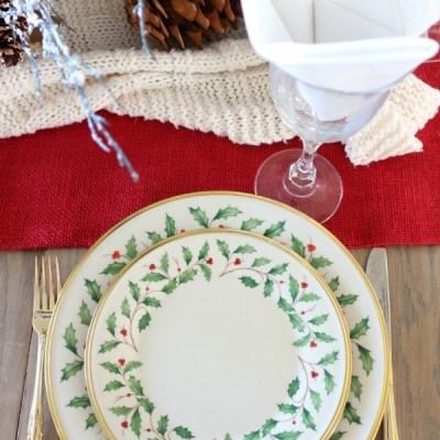 Last Minute Holiday Tablescape Ideas