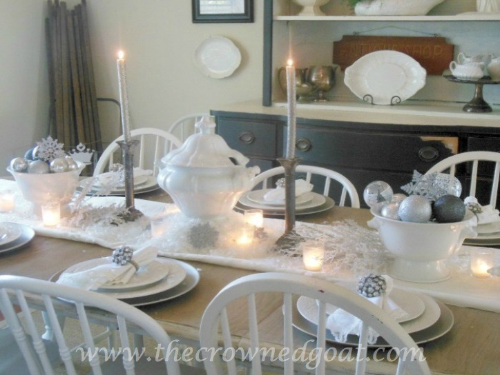 121515-4 Last Minute Holiday Tablescape Ideas Christmas Decorating Holidays