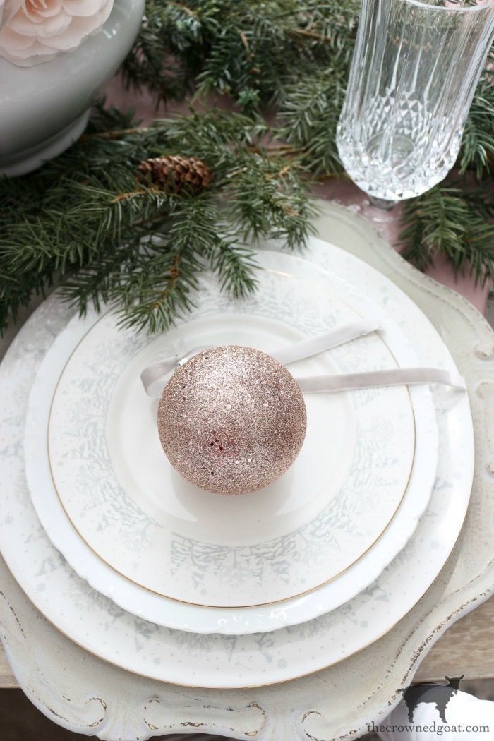 Last-Minute-Holiday-Tablescape-Ideas-The-Crowned-Goat-14 Last Minute Holiday Tablescape Ideas Christmas Decorating Holidays