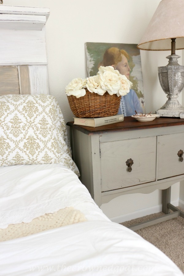 022416-17-Tips-for-using-Chalk-Paint French Linen Painted Nightstand Painted Furniture