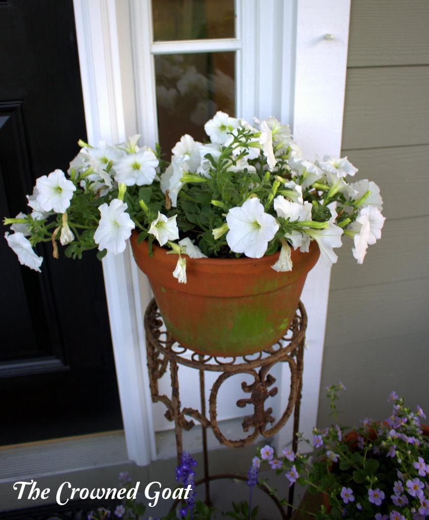 031616-6 Spring Porch Tour Decorating DIY Holidays