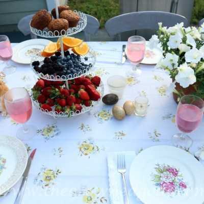 Vintage Inspired Spring Tablescape