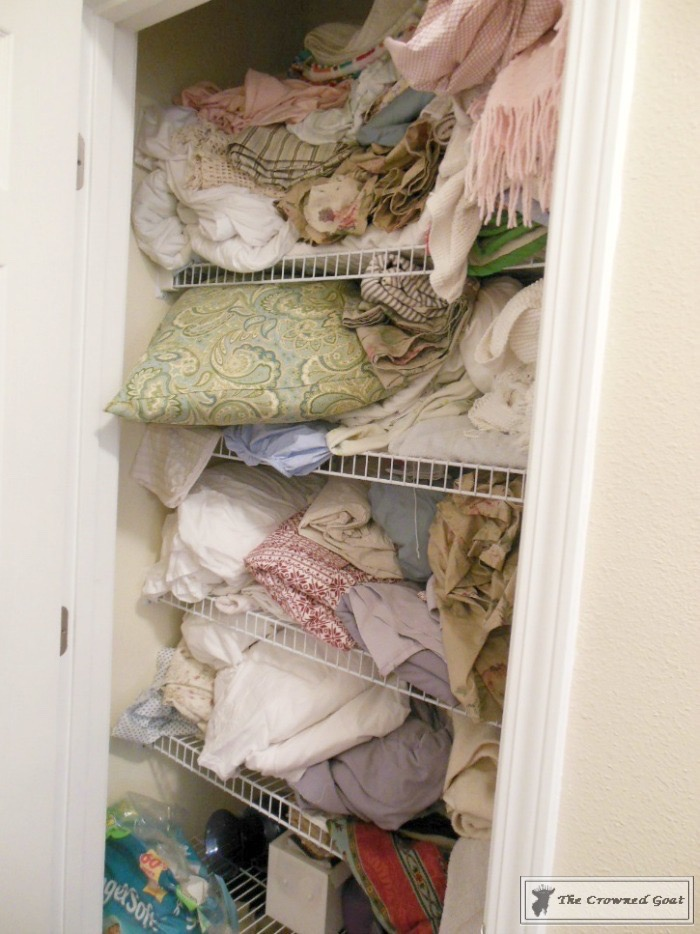 How-to-Keep-Linen-Closets-Organized-1 How to Keep Linen Closets Organized and Maintained  DIY Organization