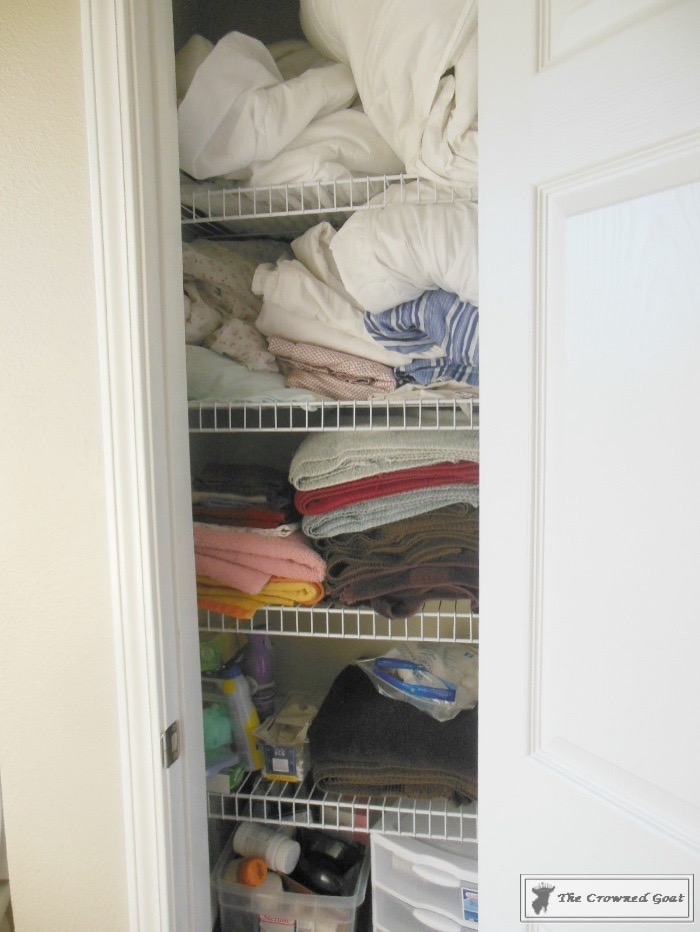 How-to-Keep-Linen-Closets-Organized-2 How to Keep Linen Closets Organized and Maintained  DIY Organization