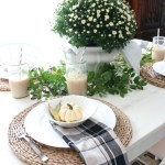 The Busy Girl's Guide to Fall Decorating: The Breakfast Nook