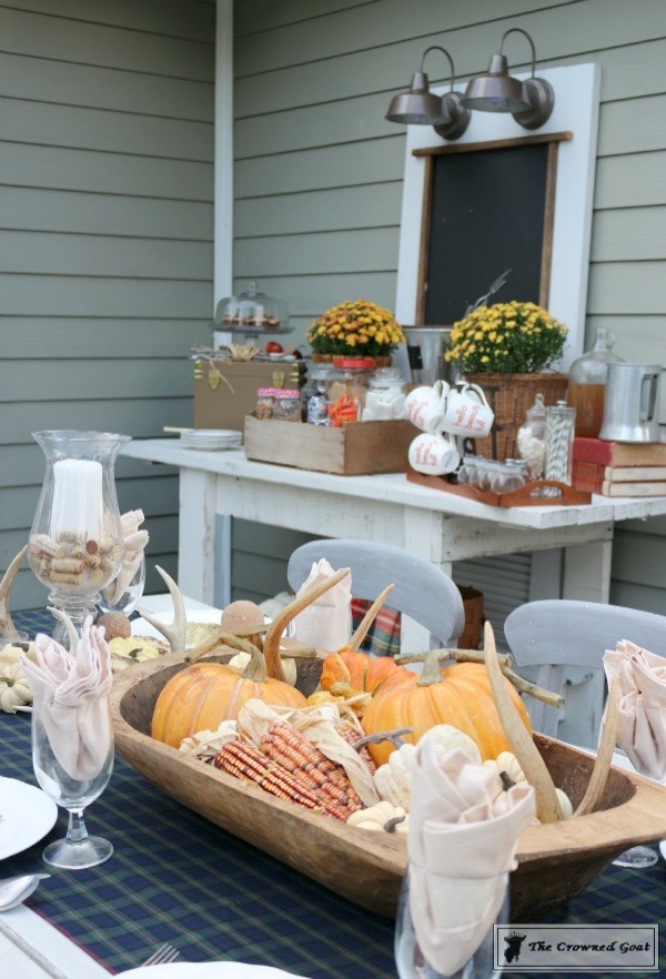 outdoor-fall-tablescape-11