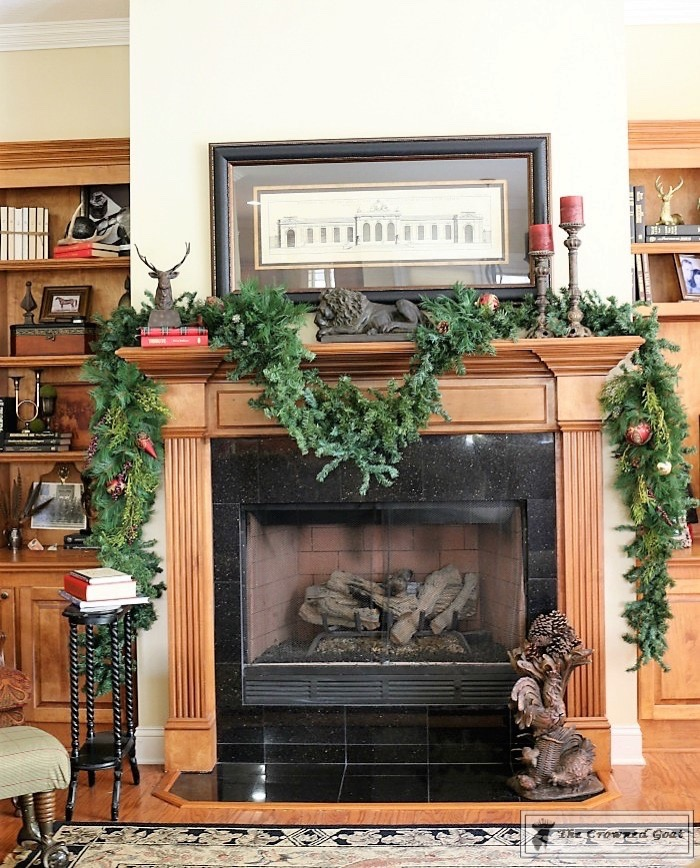 Bliss-Barracks-Traditional-Christmas-Tree-Living-Room-6 Traditional Christmas Living Room at Bliss Barracks Christmas DIY Holidays