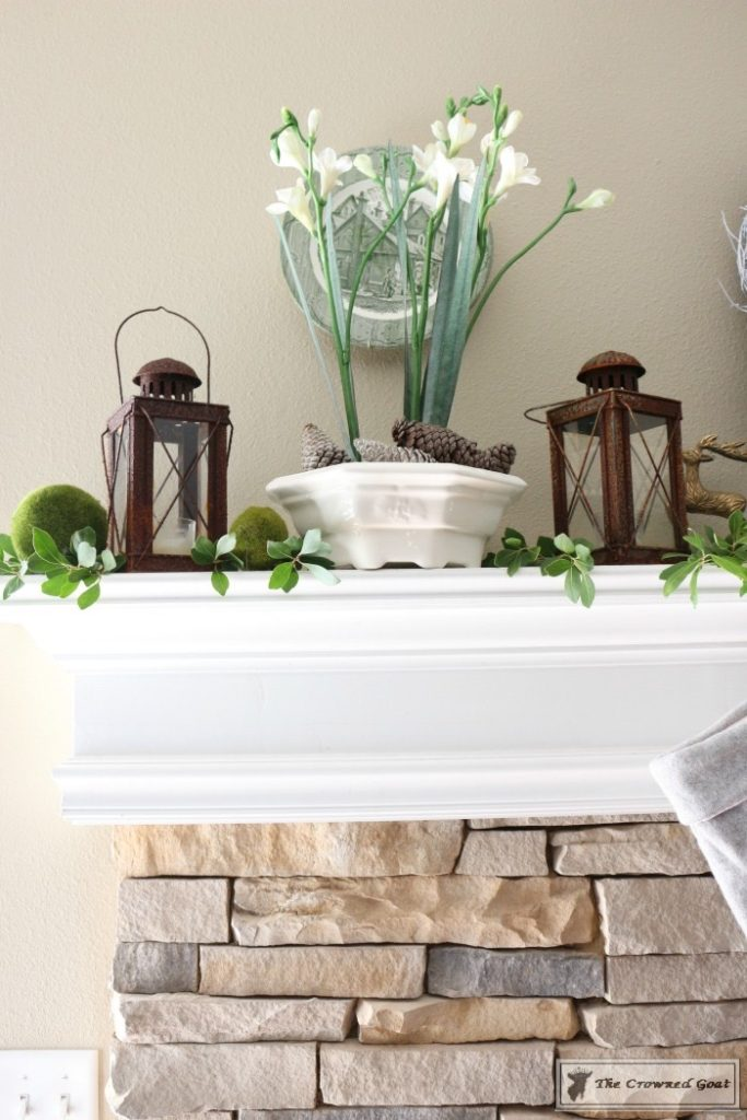Nature-Inspired-Christmas-Mantel-7-683x1024 Nature Inspired Mantel and Christmas Tree Christmas Decorating DIY Holidays