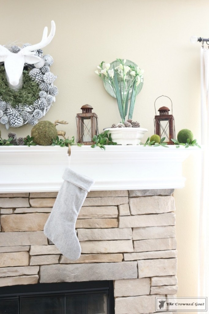 nature-inspired-christmas-mantel-8