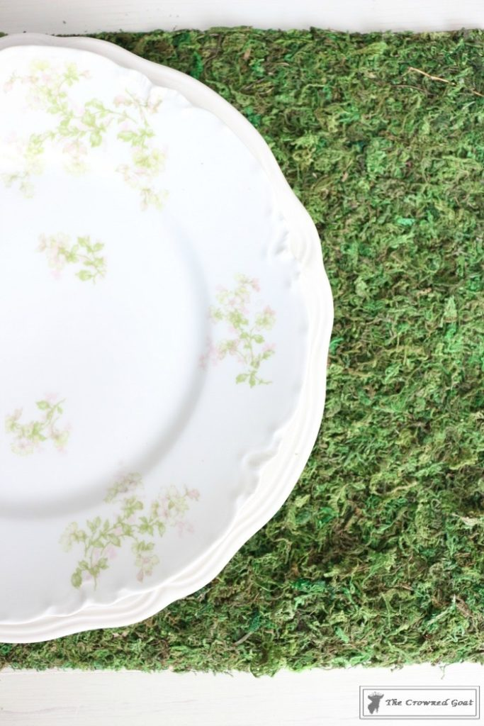 How-to-Make-Moss-Placemats-17-683x1024 The Easiest Way to Make Moss Placemats Crafts Decorating DIY Spring