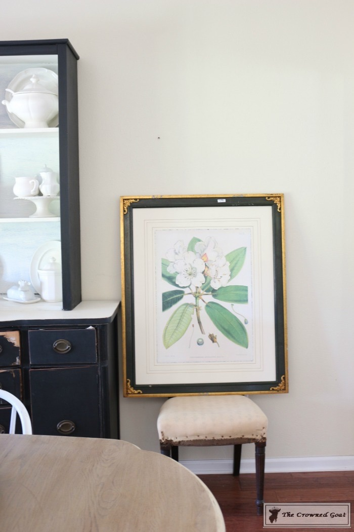 How To Hang Picture Frames Without Nails. Hanging Up Picture Frames ...