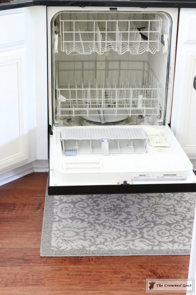 Easy-Ways-to-Keep-the-Kitchen-Clean-and-Organized-7-683x1024 11 Ways to Clean, Organize & Maintain Your Kitchen DIY Organization