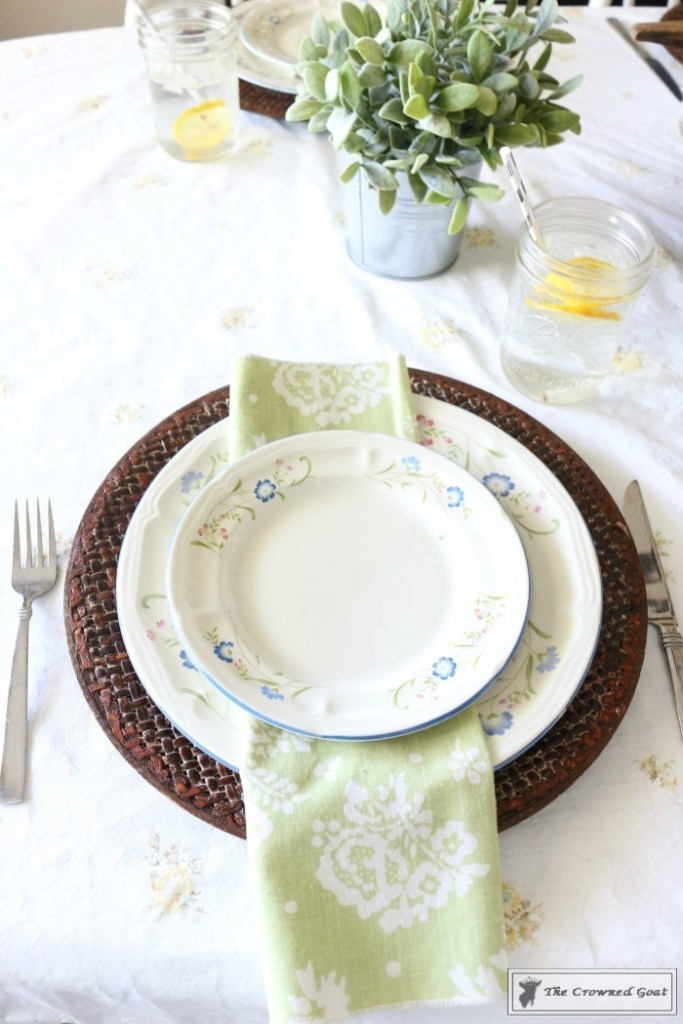 How to Create a Summer Tablescape-The Crowned Goat-7