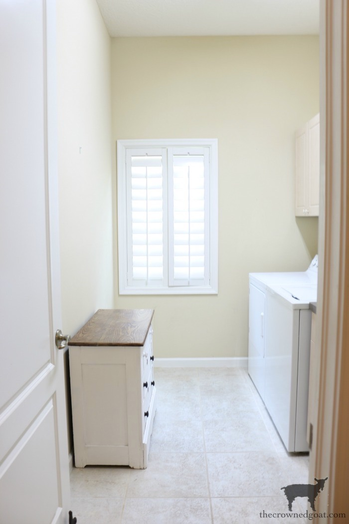 French-Country-Laundry-Room-Makeover-2 French Country Laundry Room Makeover Decorating DIY Painted Furniture