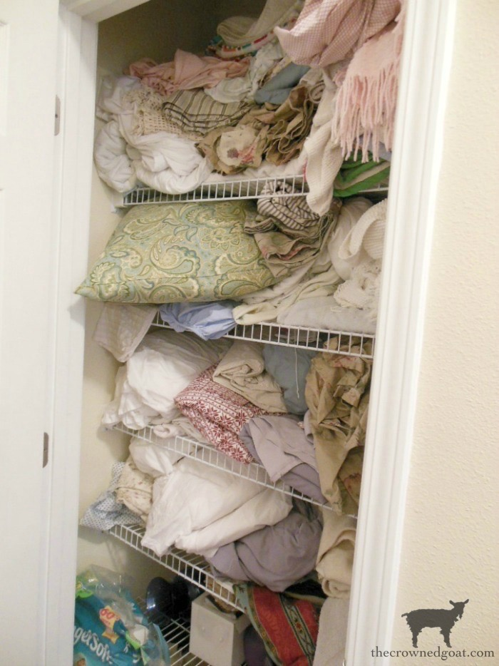Tips-and-Tricks-for-Clutter-Free-Linen-Closets-The-Crowned-Goat-1 Tips & Tricks for Clutter Free Linen Closets DIY Organization