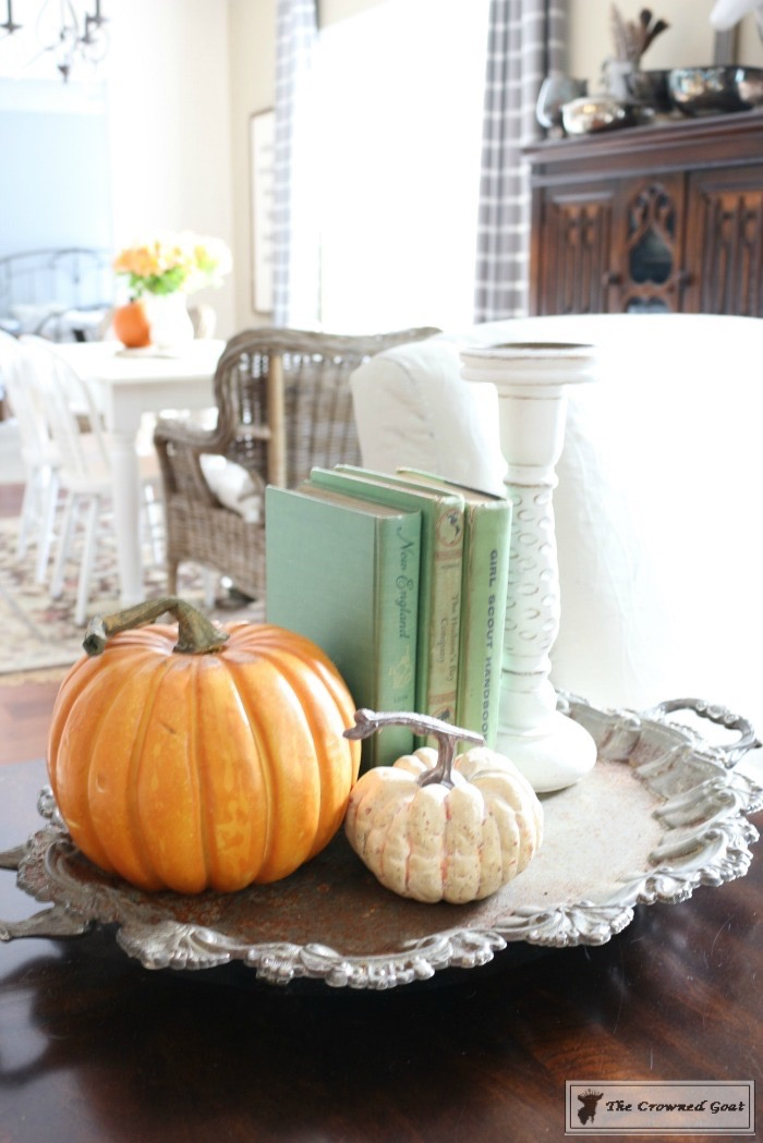 Fall-Decorating-Home-Tour-The-Crowned-Goat-15 The Busy Girl's Guide to Fall Decorating Home Tour Decorating Fall Holidays