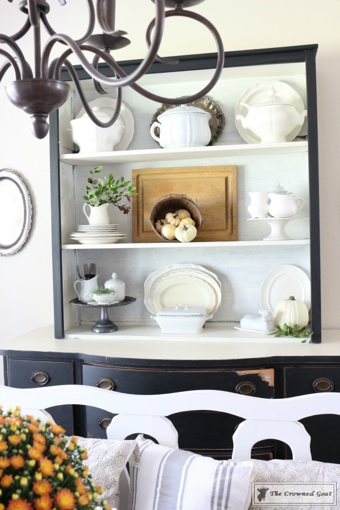 Fall-Decorating-Home-Tour-The-Crowned-Goat-8 The Busy Girl's Guide to Fall Decorating Home Tour Decorating Fall Holidays