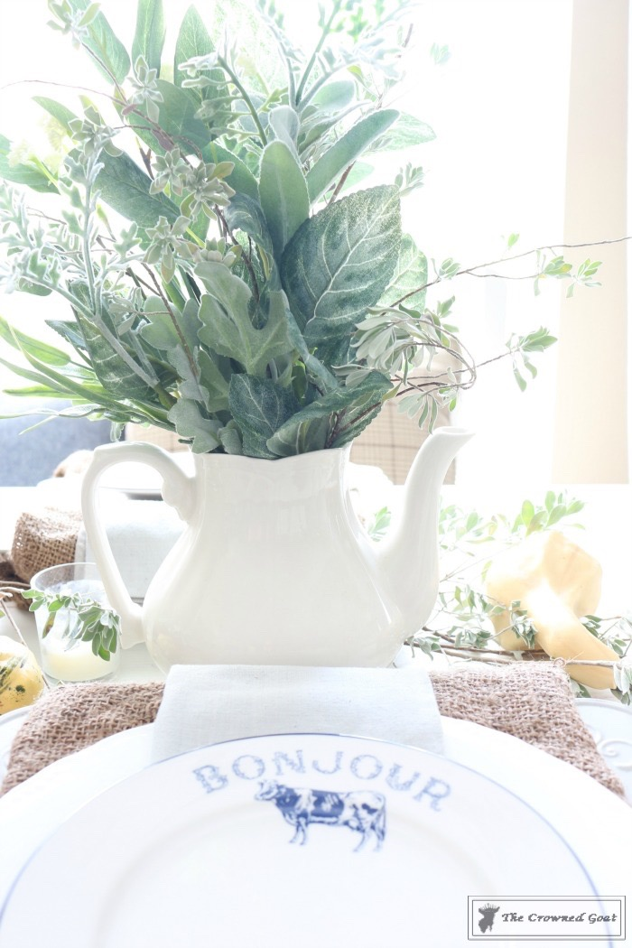 Fall-Decorating-in-the-Breakfast-Nook-The-Crowned-Goat-10 Fall Decorating in the Breakfast Nook Fall