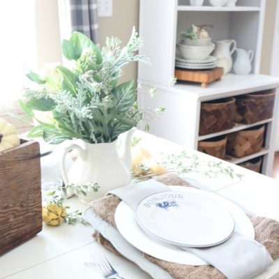 Fall Decorating in the Breakfast Nook