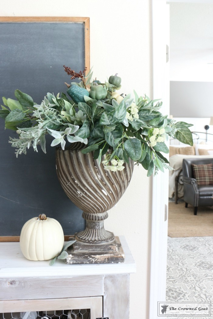 Fall-Decorating-in-the-Breakfast-Nook-The-Crowned-Goat-14 Fall Decorating in the Breakfast Nook Fall