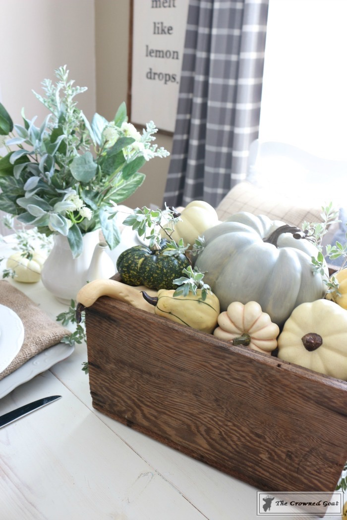 Fall-Decorating-in-the-Breakfast-Nook-The-Crowned-Goat-9 Fall Decorating in the Breakfast Nook Fall