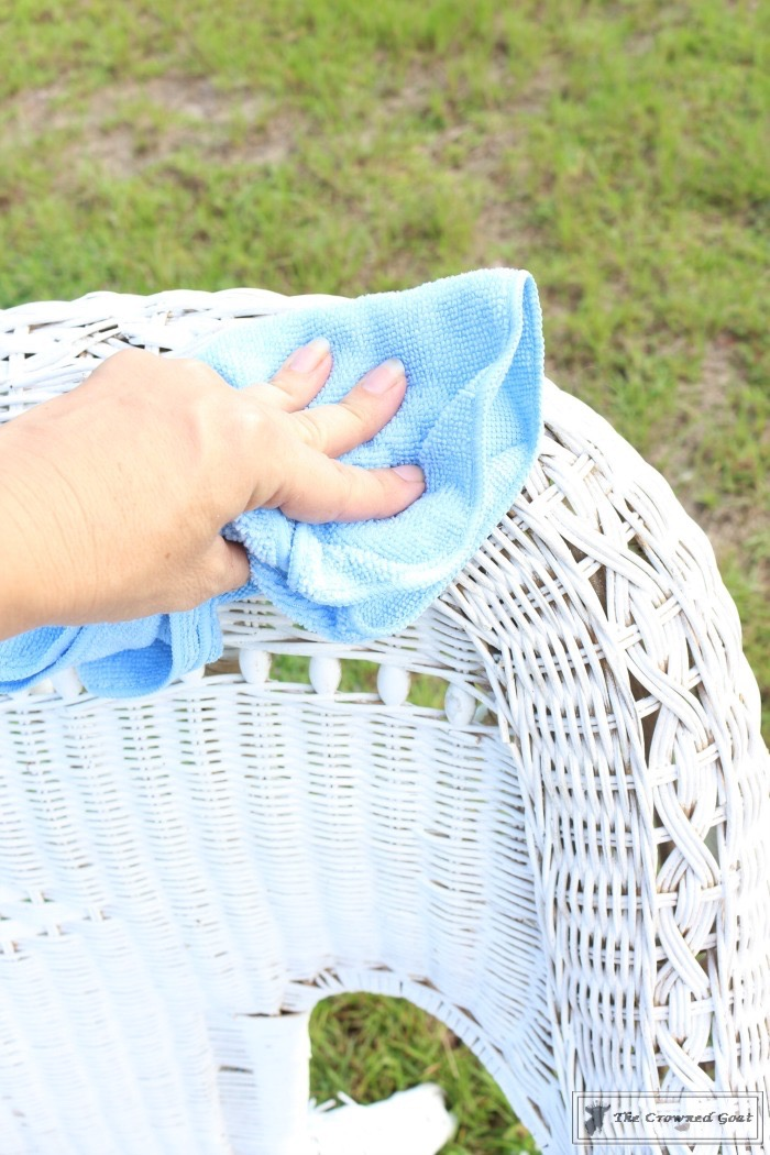 How-to-Spray-Paint-Wicker-Furniture-The-Crowned-Goat-4 How to Spray Paint Wicker Furniture DIY Painted Furniture