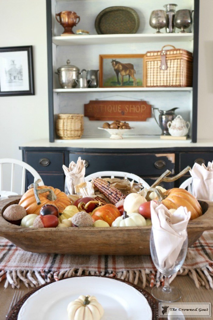 5-Easy-Thanksgiving-Tablescape-Tips-The-Crowned-Goat-1 5 Tips for an Easy Thanksgiving Tablescape Decorating Fall Holidays