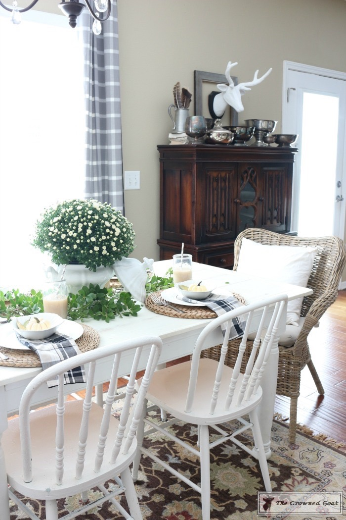 5-Easy-Thanksgiving-Tablescape-Tips-The-Crowned-Goat-16 5 Tips for an Easy Thanksgiving Tablescape Decorating Fall Holidays