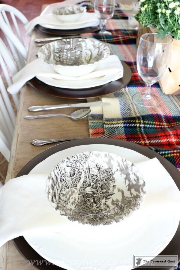 5-Easy-Thanksgiving-Tablescape-Tips-The-Crowned-Goat-5 5 Tips for an Easy Thanksgiving Tablescape Decorating Fall Holidays