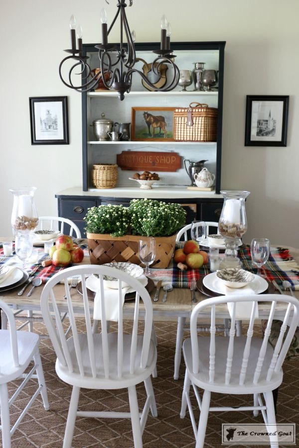 5-Easy-Thanksgiving-Tablescape-Tips-The-Crowned-Goat-7 5 Tips for an Easy Thanksgiving Tablescape Decorating Fall Holidays
