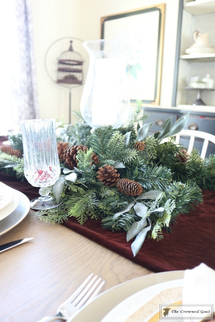 Christmas-Decorating-Tips-For-The-Dining-Room-The-Crowned-Goat-5 9 Christmas Decorating Tips for the Dining Room Uncategorized