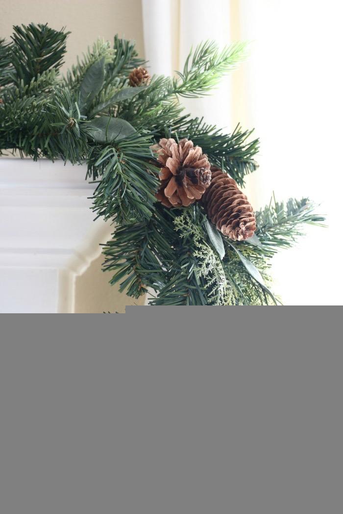 Christmas-Living-Room-Decorating-Inspiration-The-Crowned-Goat-2 Christmas Inspiration in the Living Room Christmas