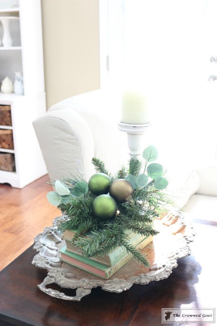Christmas-Living-Room-Decorating-Inspiration-The-Crowned-Goat-8 Christmas Inspiration in the Living Room Christmas