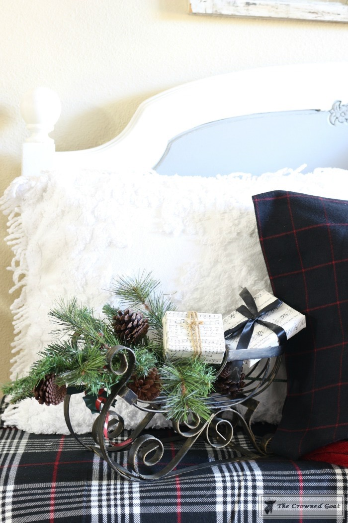 Simple-Tips-for-Christmas-Entry-Decorating-The-Crowned-Goat-5 Mad for Plaid Christmas Entry Christmas