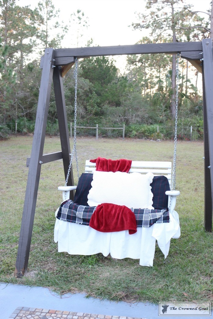 Outdoor-Christmas-Tablescape-The-Crowned-Goat-14 Outdoor Christmas Tablescape Christmas